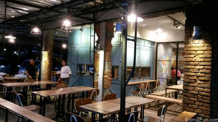OTW Cafe Kelapa Gading